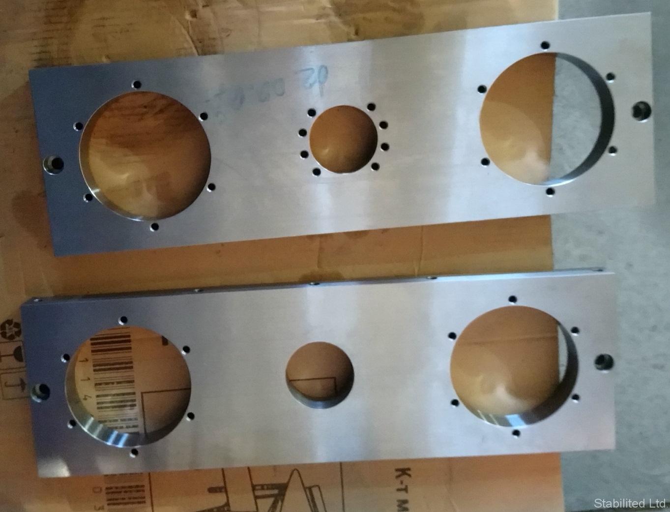 """Плочи за машини, изработени по поръчка на """"КЛБ Инженеринг"""" ООД"""